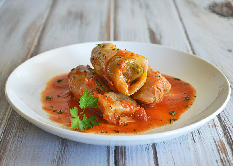 How to Make yummy Stuffed Cabbage Rolls - Spidertip.com - How to ...