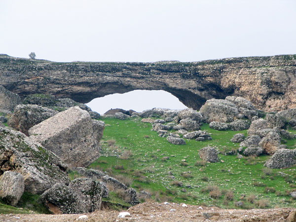 Natural arch south from Behbahan